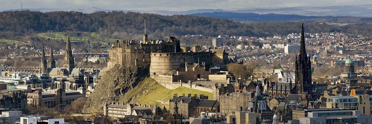 Edinburgh Castle as taken from the Salisbury Crags / Saffron Blaze CC 3.0