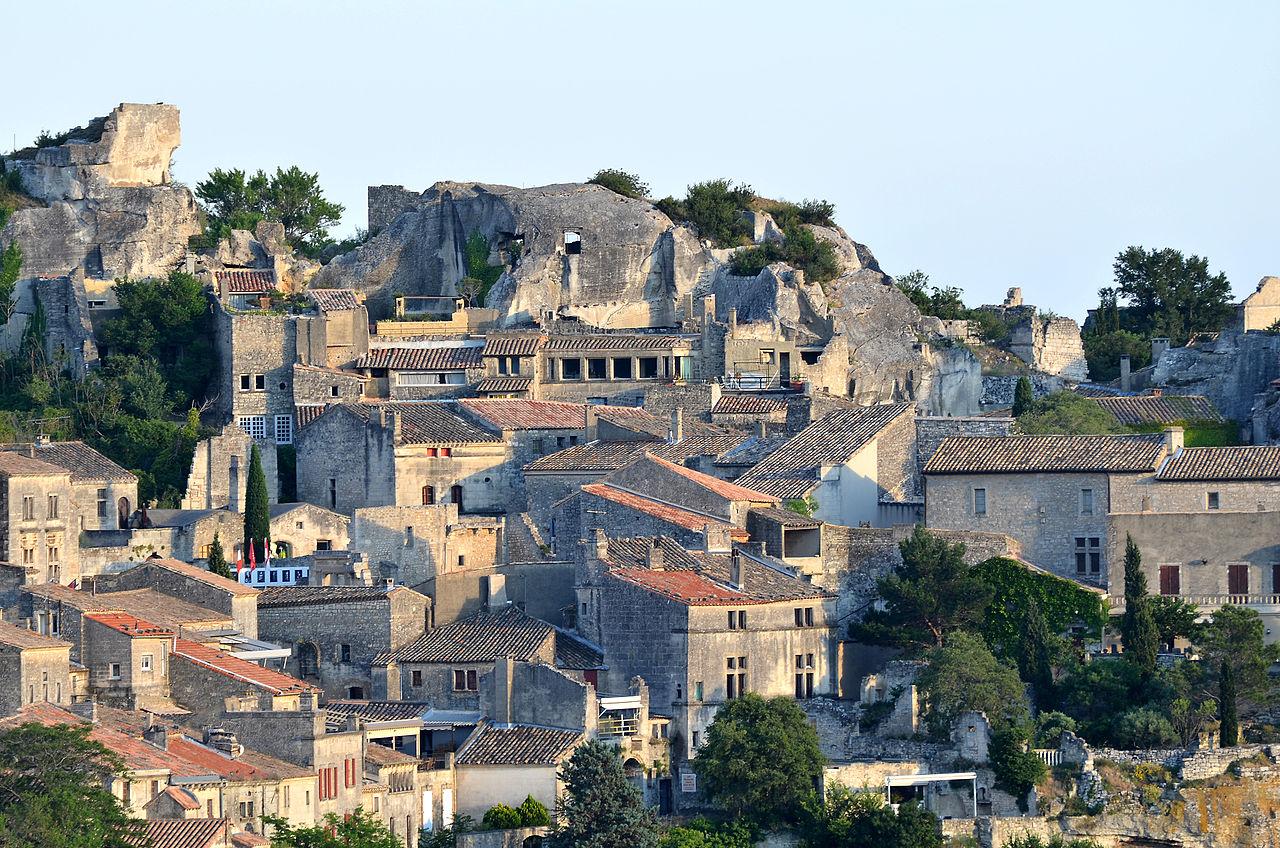 Les Baux de Provence by Bluebreezewiki CC 3.0
