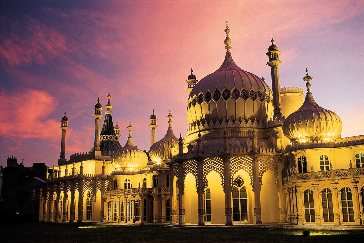 The Royal Pavilion in Brighton, England at sunset / Credit: Visit Britain