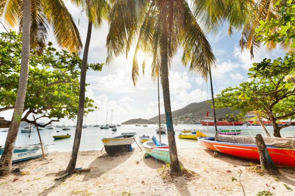 Boats moored on beach at Admiralty Bay, St. Vincent & the Grenadines / Justin Foulkes, Lonely Planet