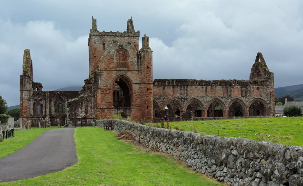 Sweetheart Abbey, Scotland / Pixabay.com