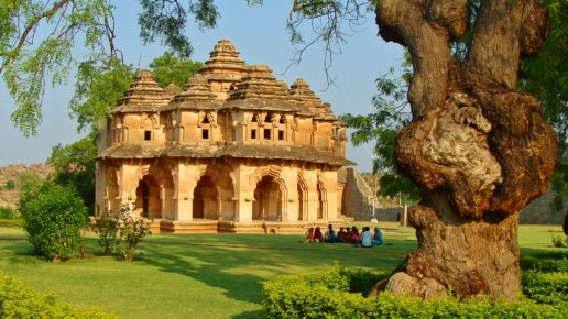 5 stunning historical destinations for a honeymoon in India